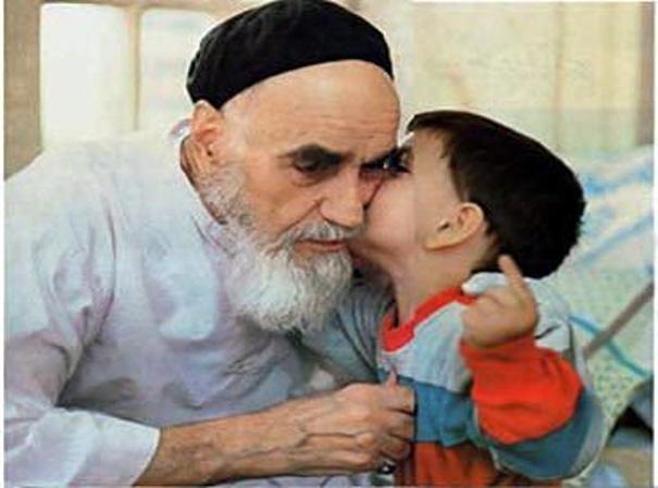 شاید کمتر کسی فکر می کرد این نوه ی امام روزی ملبّس به لباس روحانیت شود